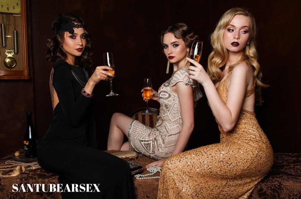 sex shop online santubearsex foto 3 mujeres con champán en portada